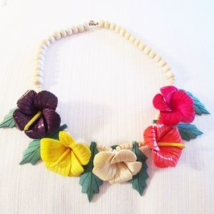 Jewelry - Vintage Floral Necklace, Wooden and Gorgeous